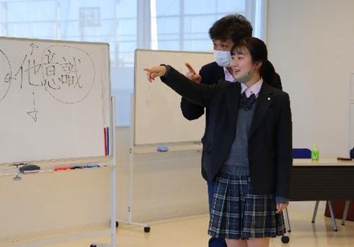 特別講師小幡研二さんをお招きしたキャリア教育の様子2