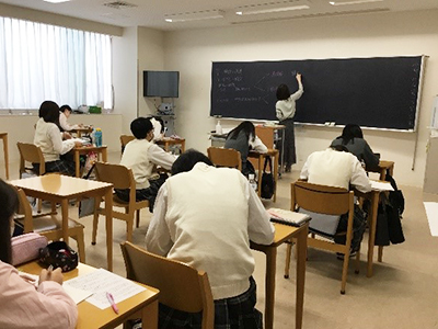 授業(高等部3年生)の様子2